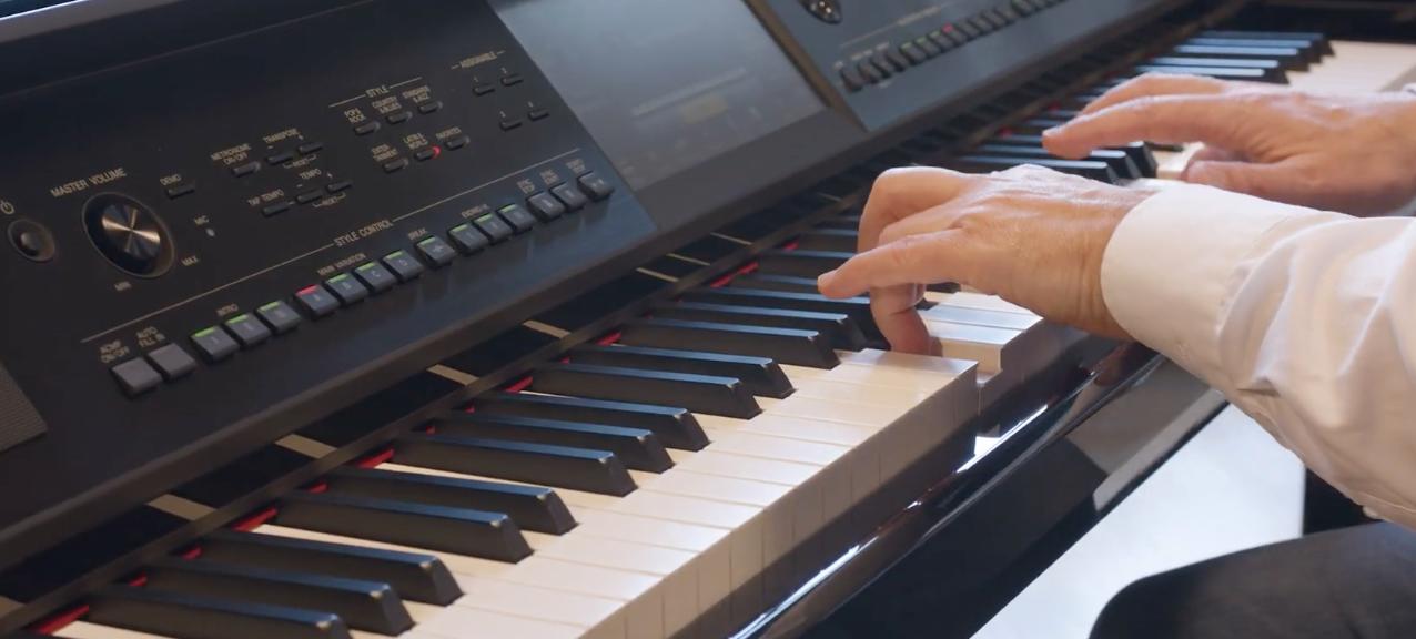 Piano digital Yamaha CVP-809
