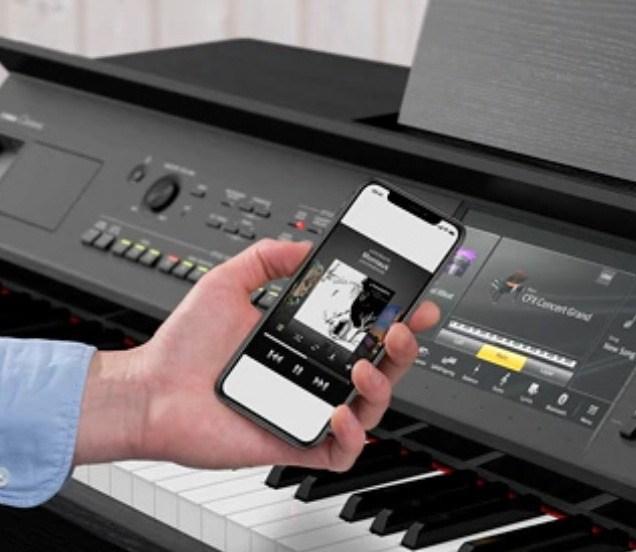 Technologies avancées et connectivité dans le Yamaha CVP-809