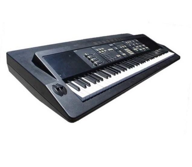 De Kurzweil K250 was één van de eerste elektronische klavieren met een top gesampelde pianoklank.